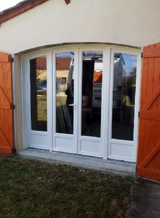 Porte fenêtre PVC cintré 4 vantaux