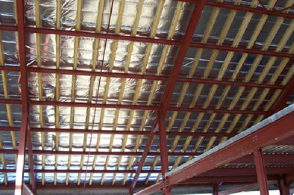 Isolation thermique des batiments industriels et entrepot de bovins et vinicologie.