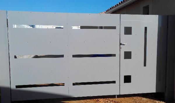 Portail et portillon acier sur mesure contemporain