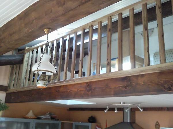 garde de corps avec fenêtre de toitude et mezzanine