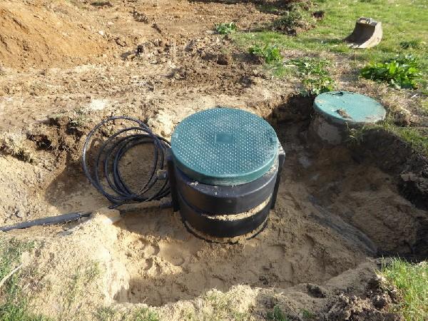 Travaux de VRD près de Saint Jean de Luz : mise en place de l'assainissement avec le raccordement d'une pompe de relevage pour l'évacuation des eaux usées
