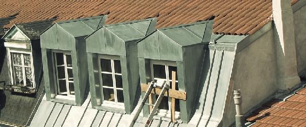 Fenêtre de toit support en zinc
