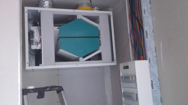 Pavillon basse comsomation en neuf de 100m² avec VMC double flux, boitiers d'encastrements étanches ... Respect des normes NFC 15-100 et RT2012