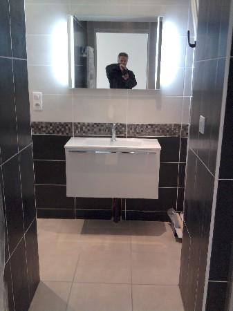 Pose d'un ensemble meuble vasque miroir DECOTEC (Amfreville la Mivoie 76920)