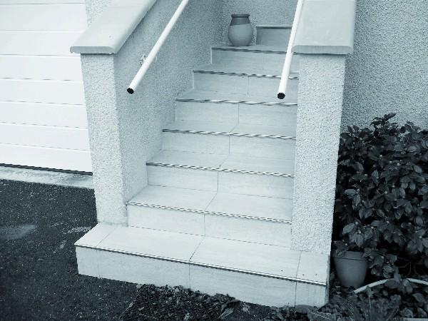 - Habillage d&#039;un escalier ext&eacute;rieur avec des carreaux gr&egrave;s c&eacute;rame 30x60<br /> - Conseil du choix du carrelage pour le client pour un calpinage adapt&eacute; aux dimensions de l&#039;escalier et un rendu esth&eacute;tique optimal