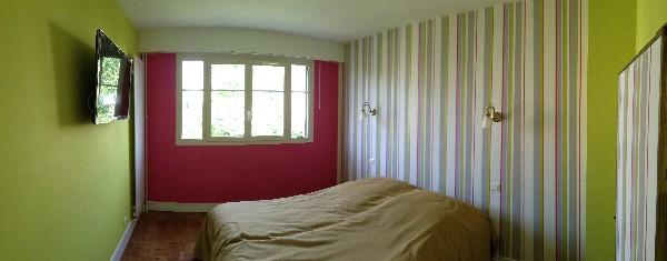refection d'une chambre <br /> murs en papier peint
